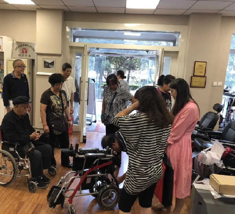 十年行业经验总结的老年人购买电动轮椅的十大误区[元亨电动]