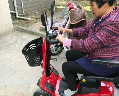 老年电动代步车改变一位老人的出行生活[元亨电动]