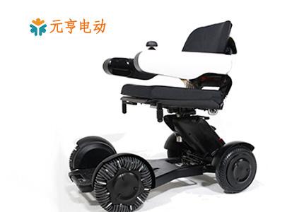 日本老年代步车品牌商来到我们公司洽谈老年代步车项目
