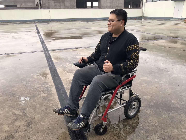 电动轮椅对比手动轮椅的优势有哪些?