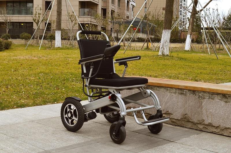 电动轮椅车的电机齿轮如何保养?【元亨电动】