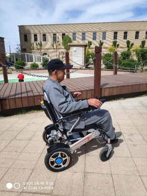 电动轮椅的设计可以通过改装提高行驶速度吗?【元亨电动】