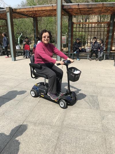 为什么老年人需要一款电动代步车?【元亨电动】