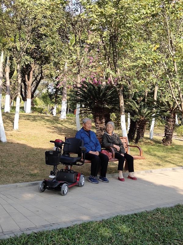 电动轮椅与智能老年代步车代表的生活方式【元亨电动】