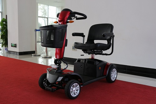 购买家用电动轮椅代步车应选择铅酸电池还是锂电池呢?【元亨电动】